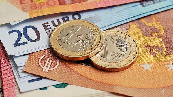 Курс евро на форекс подавлен из-за страха медленной вакцинации