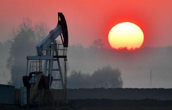 Курс нефти негативно реагирует на разблокировку Суэцкого канала