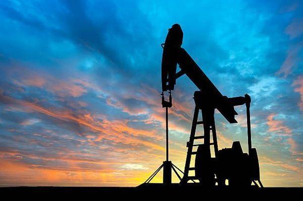 Цена нефти снижается, инвесторы ждут решения ОПЕК+