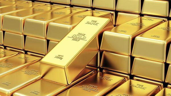 Цена золота на Лондонской бирже упала на 0.3% с двухнедельного максимума
