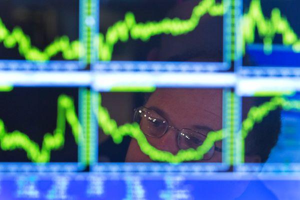 Российский фондовый рынок к концу недели начал рост