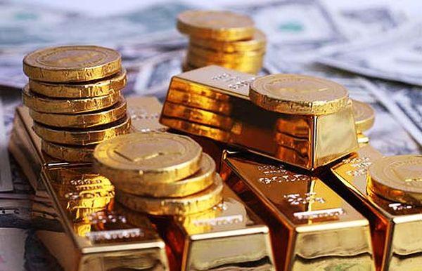 Курс золота укрепился до  $1750 пользуясь слабостью доллара