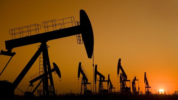 Цена нефти будет падать в ближайшее время. Причина ОПЕК+ и COVID-19