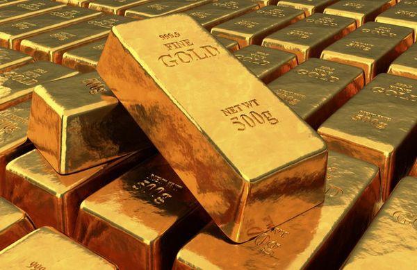 Курс золота приблизился к семинедельным максимумам на фоне падения доллара