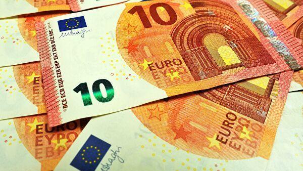 Курс евро взлетел на 3% с начала апреля