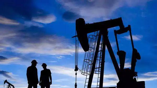 Курс нефти: Эксперты ожидают к концу года $85 за баррель