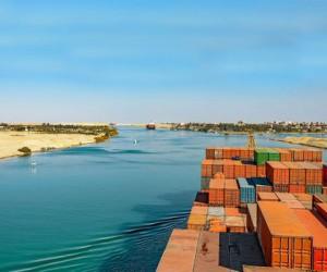 Египет хочет $1 млрд за затор в Суэцком канале