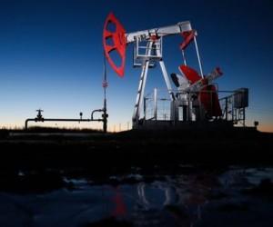 Нефть в тесном диапазоне около $64 из-за неопределенности