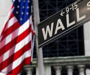 Фондовый рынок США настроен неоднозначно, индексы отступают от максимумов