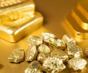 Золото падает третий день, экономика США подает