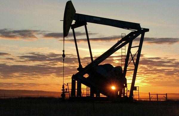 Курс нефти стабилизируется после коррекции вблизи $70 за баррель