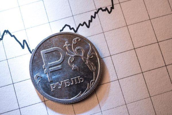 Рубль продолжает атаку на доллар