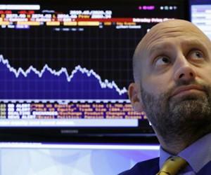 Фондовый рынок США рухнул, Dow Jones потерял 2% а Nasdaq100 лишился 2.7%