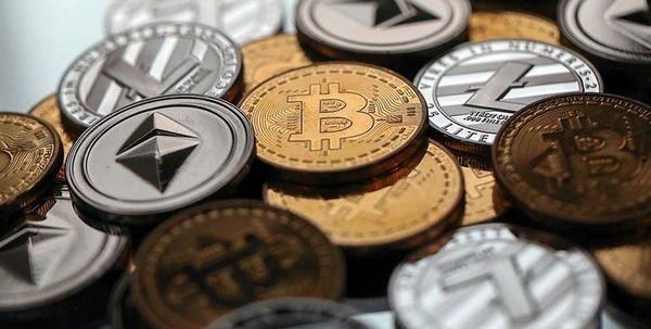 Эфириум снизился на 6%, биткоин потерял более 30%