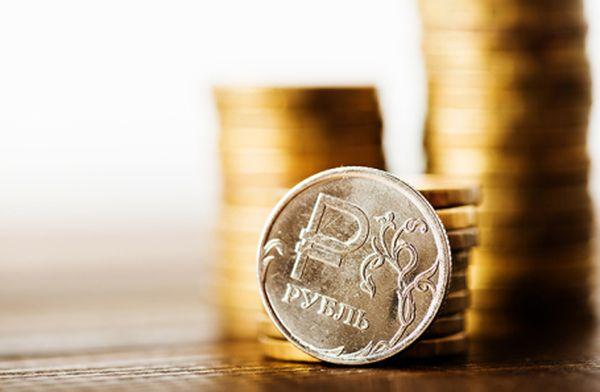 Рубль противится давлению долларовых быков