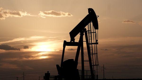Курс нефти  за считаные минуты обваливался более чем на 2%
