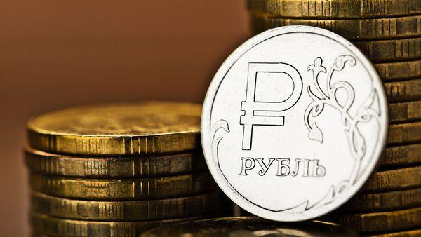 Рубль уверенно растет и в ближайшие дни доллару не уступит