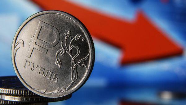 Против курса рубля в ближайшее время будет играть окончание налогового периода