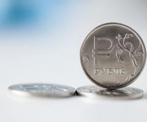 Рубль стабильно закрепился вблизи отметки 73 за доллар