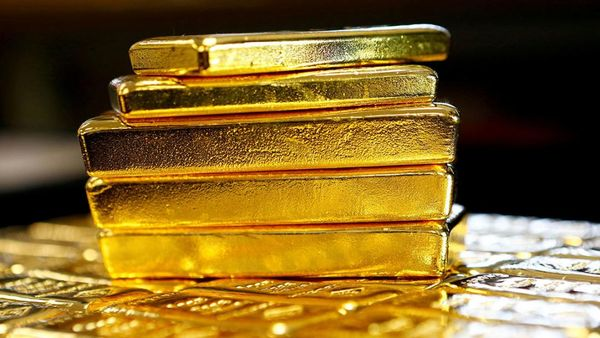 Курс золота медленно, но верно отыгрывает потери