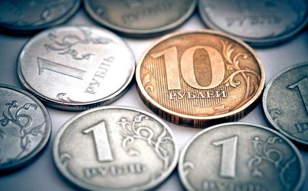 Рубль в эйфории, но стоит ли продавать доллары в такой ситуации