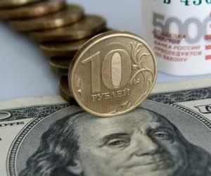 Рубль следит за динамикой доллара