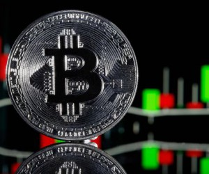 Курс Bitcoin едва удерживается над уронем $30K