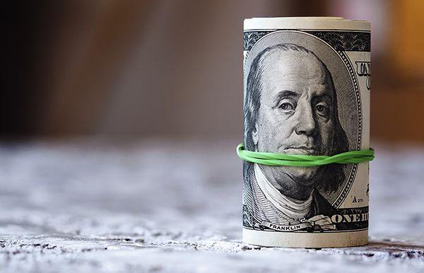 Курс доллара удерживает ранее завоеванные позиции