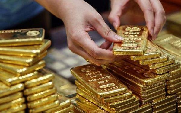 Стоимость золота потеряла 1.5$ на оптимизме относительно политики ФРС