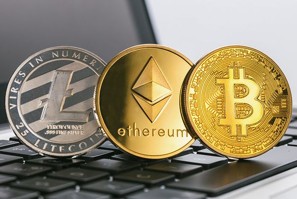 Курсы криптовалют: Штурм максимумов не состоялся