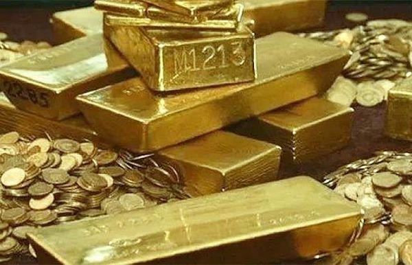 Золото за сутки потеряло 3$ усиливая падение из-за других рынков