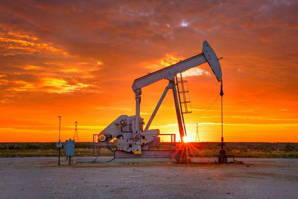 Нефть столкнули вниз еще на 3%, назревает глобальное бегство из актива