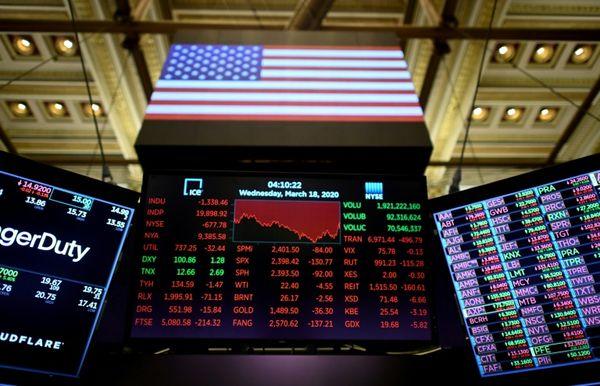 Фондовые рынки мира попали под волну сильных распродаж