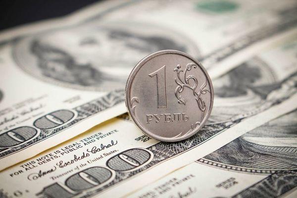 Доллар растет к рублю и по всему спектру рынка