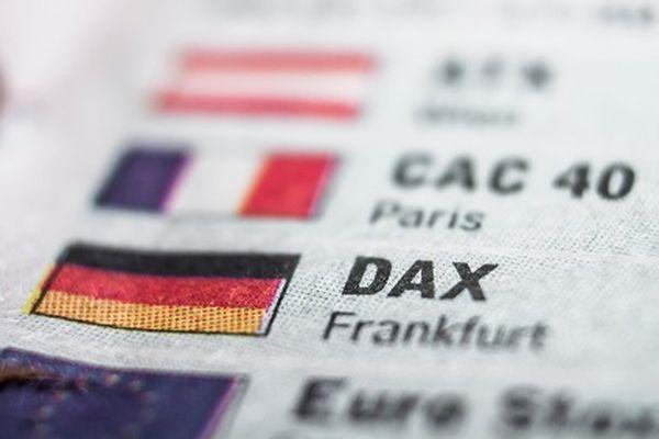 Европейские биржи стабильны в лидерах банковский сектор