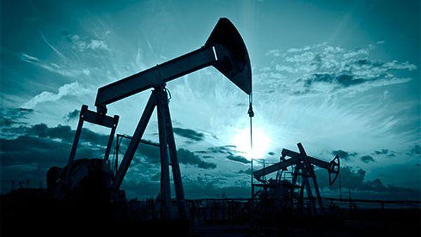 Мировые цены на нефть рискуют снова упасть вначале осени