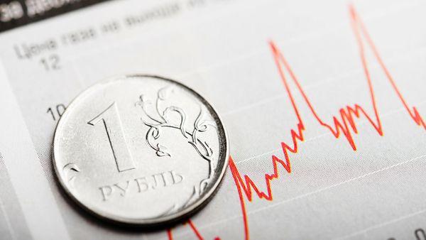 Рубль использует максимально выгодно падение доллара