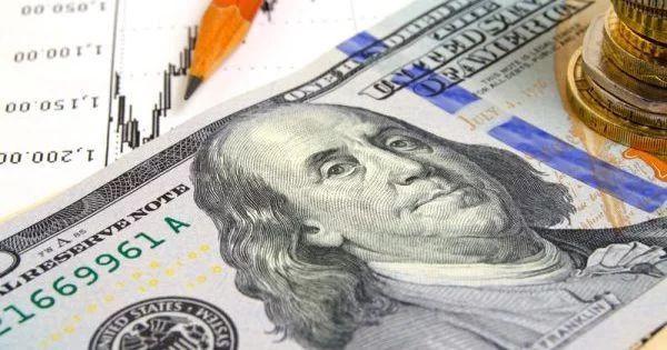 На валютном рынке активизировались покупатели доллара