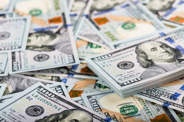 Доллар отступил, валютный рынок вздохнул с облегчением