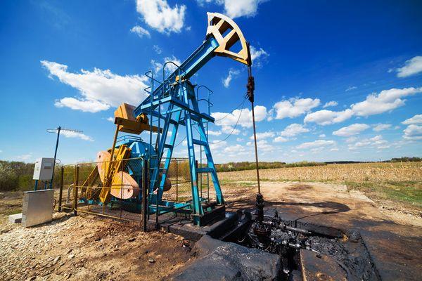 Ураган Ида взвинтил мировые цены на нефть марки Brent на 11.5%