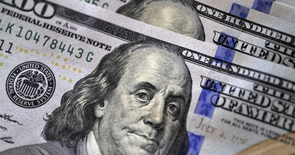 Доллар попал под распродажи после выступления Пауэлла