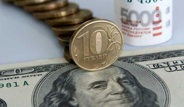 Рубль растет передвигая все новые максимумы