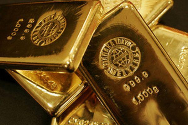 Курс золота вырос на слабом отчете по рынку труда в США