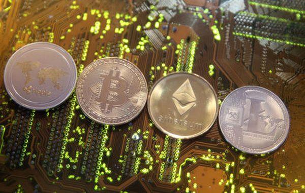 Провал биткоина на 14% напугал рынок криптовалют почти до паники