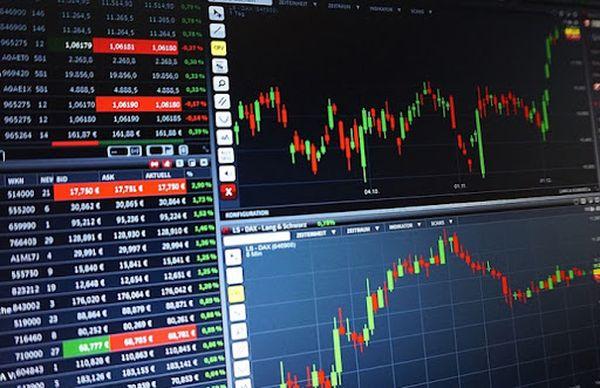 Мировые фондовые рынки все больше попадают под давлением продавцов