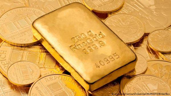 Курс золота остается вблизи отметки 1800$ накапливая силы для рывка