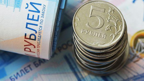 Курс рубля успешен в борьбе с долларом