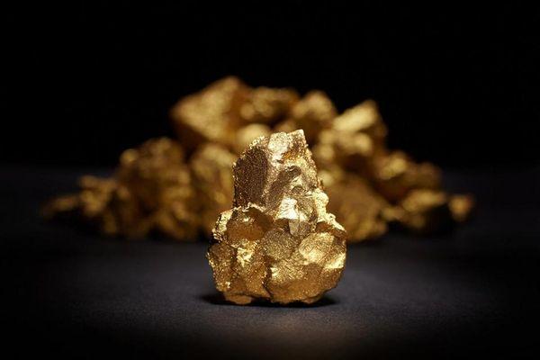 Курс золота выглядит неуверенно