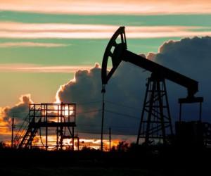 Курс нефти отыграл более половины потерь вчерашних