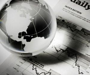 Биржи акций стабилизировались но инвесторы опасаются кризиса